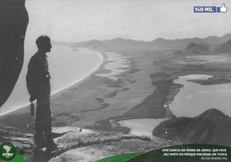 A MAIS ANTIGA - Foto histórica tirada na Pedra da Gávea (RJ), em 1939. Ao fundo, a Barra da Tijuca, ainda desabitada. Todos os direitos reservados. Foto: Arquivo pessoal de Hermínia Garcia Paula.